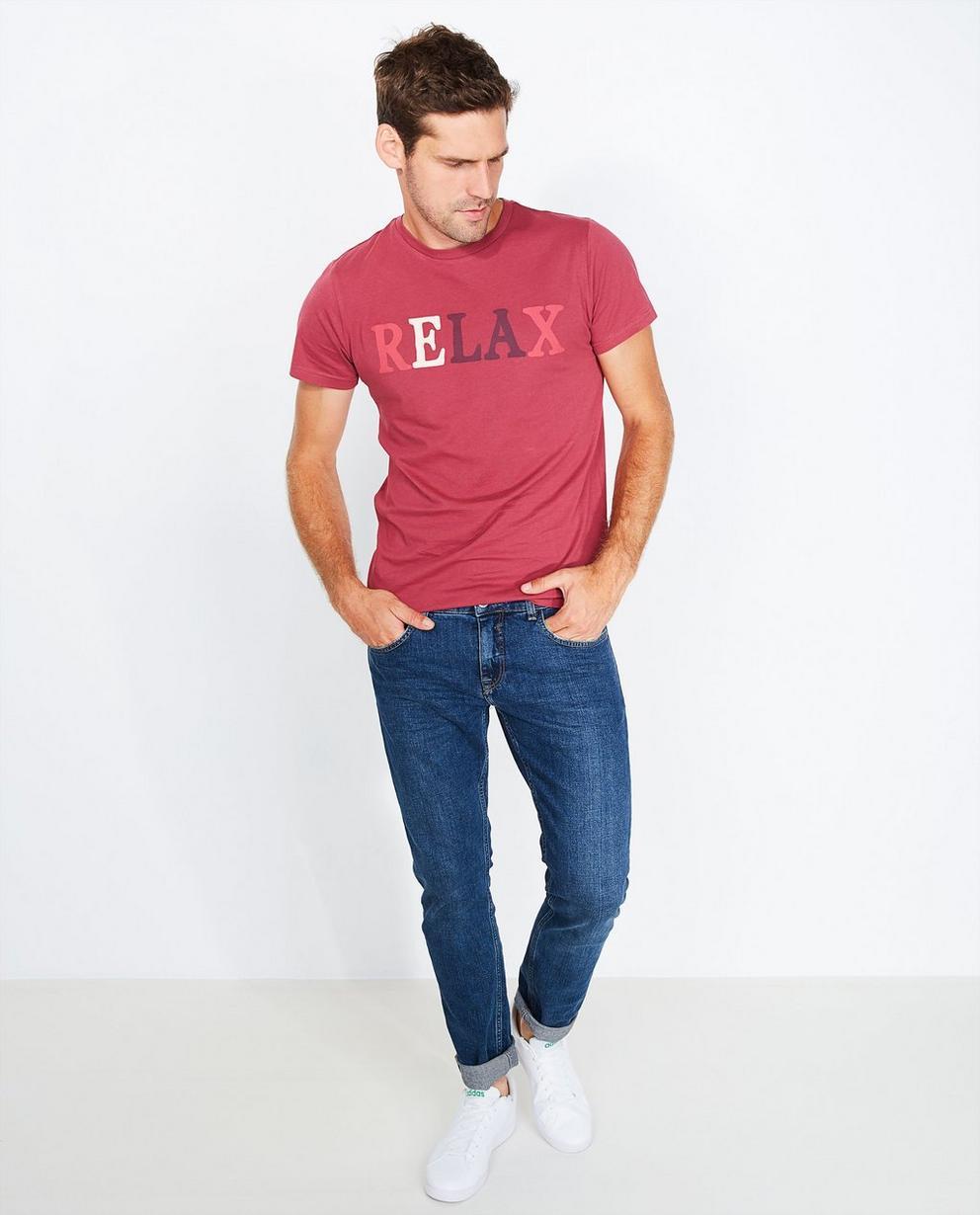 T-shirt met opschrift - in bessenrood - Quarterback